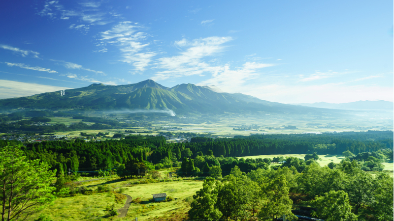 明治大学×熊本県市長会連携講座 大地の公園「ジオパーク」の魅力 ~地球の鼓動を感じられる「窓」がそこに~ -阿蘇火山、その大地との共生と人間生活-
