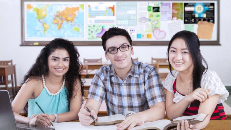 《高校生(プレ・カレッジ)向け》日本語教育と国際交流